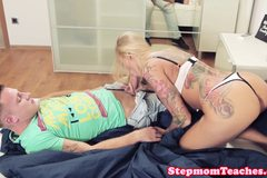 Tattooed stepmom with bigtits pussyfucked in trio