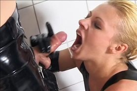 Piss; pee latex 1