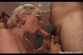 Old slut got doggy fucked by some horny dude
