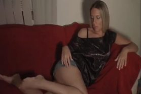 girlfriend Barefoot Masterbating pt1