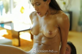 Chloe Amour rubs her naked body on her man