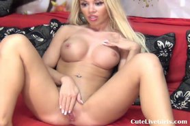 Cam: cute blonde fingering herself from the back 4 .flv