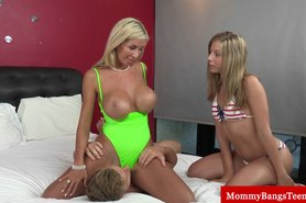 Milfs oral and teens bj during threeway