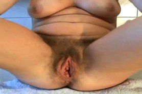 Hairy mature cunt