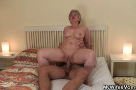 Scandalized old mom riding his dick