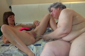 Pretty girl and fat granny masturbating together