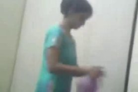 Desi Indian Girl Removing her Salwar & Showing her Choot Hole to Lover Mms