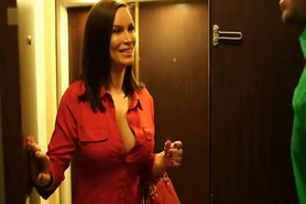 Milf Diamond in Hotel