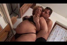 BBW Granny disfruta joven Dick