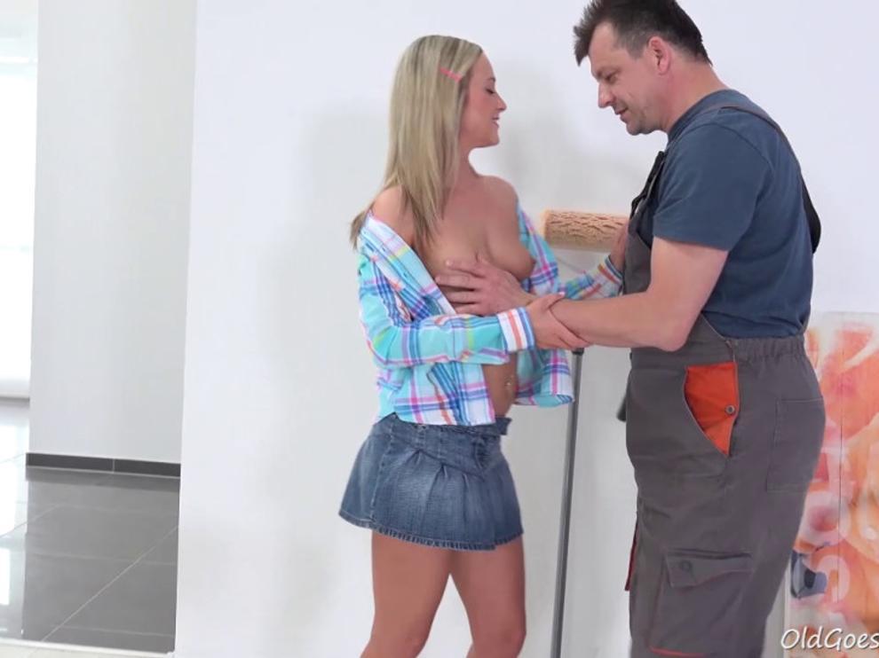 Сладкая Петра любит порно НД со зрелыми мужиками