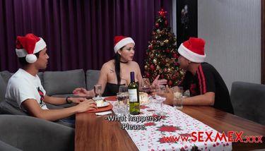 Navidad cogiendo con Pamela Rios TNAFlix Porn Videos