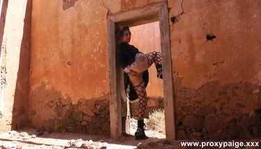 Steampunk Girl Self Anal Fisting In Desert Ruins - Proxy Paige ...