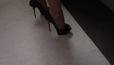 Cum On Heels