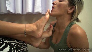 Foot worship mature Feet