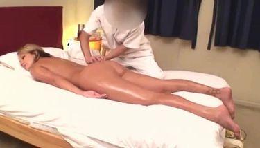 Nikki Sexx Massage