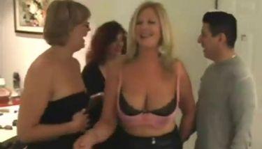 Mature women sex clips
