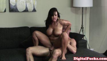 Digital Playground Blowjob - PLAYGROUND DIGITAL - Madura Lisa Ann obtiene coño rasgado TNAFlix Porn  Videos