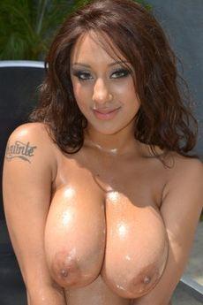 London Reigns's Free Porn Videos, Porn Pics, Profile & More