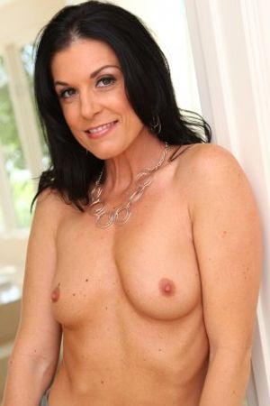India Summer's Free Porn Videos, Porn Pics, Profile & More