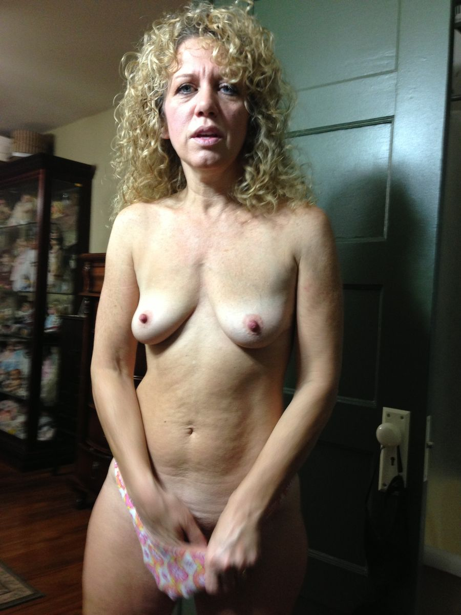 Horny hot sluts go crazy getting naked 7