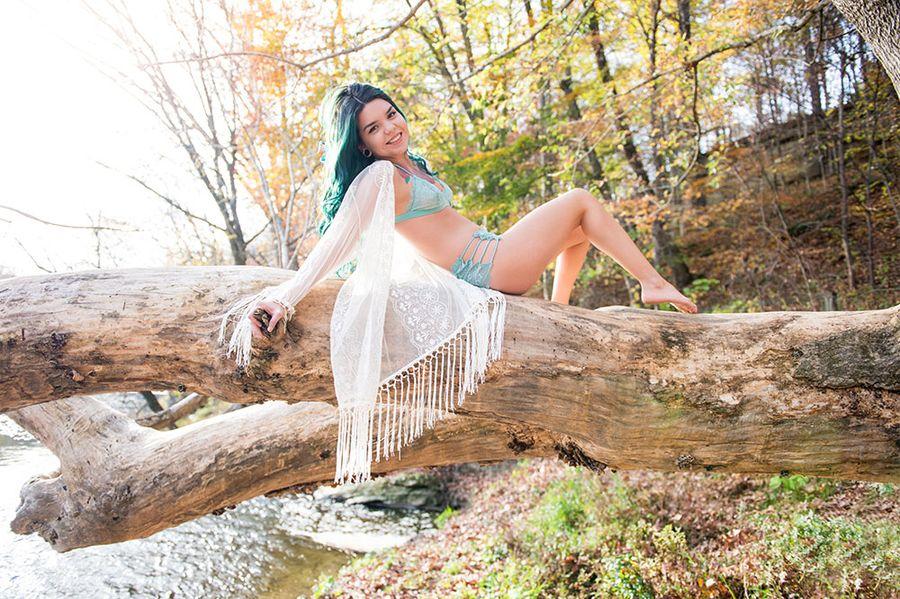 Maine Girls Nude Models