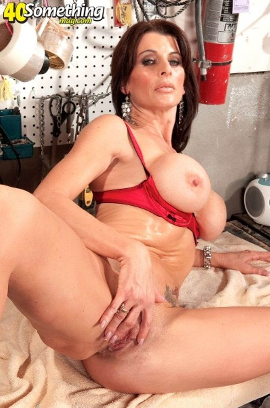 Milf Solo Anal