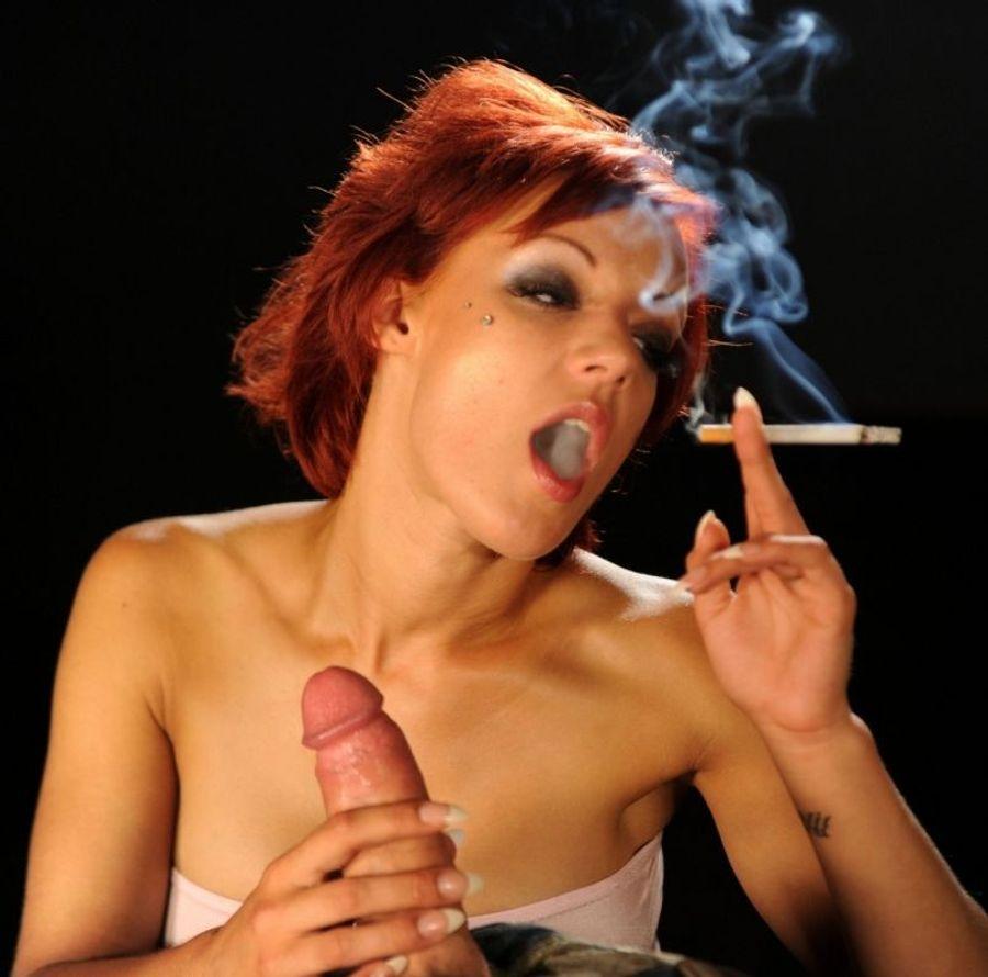 Порно с курящими онлайн, придавил ее мощным