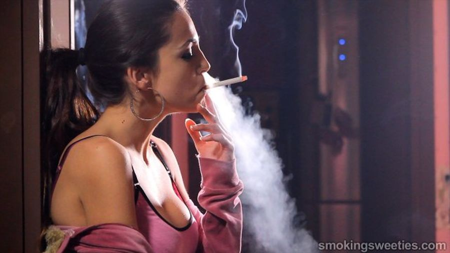mature-forced-candid-college-girls-smoking-weed-classic-porn