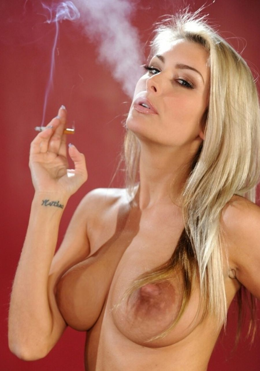 biel-sexy-girl-smoking-video-download-contortion