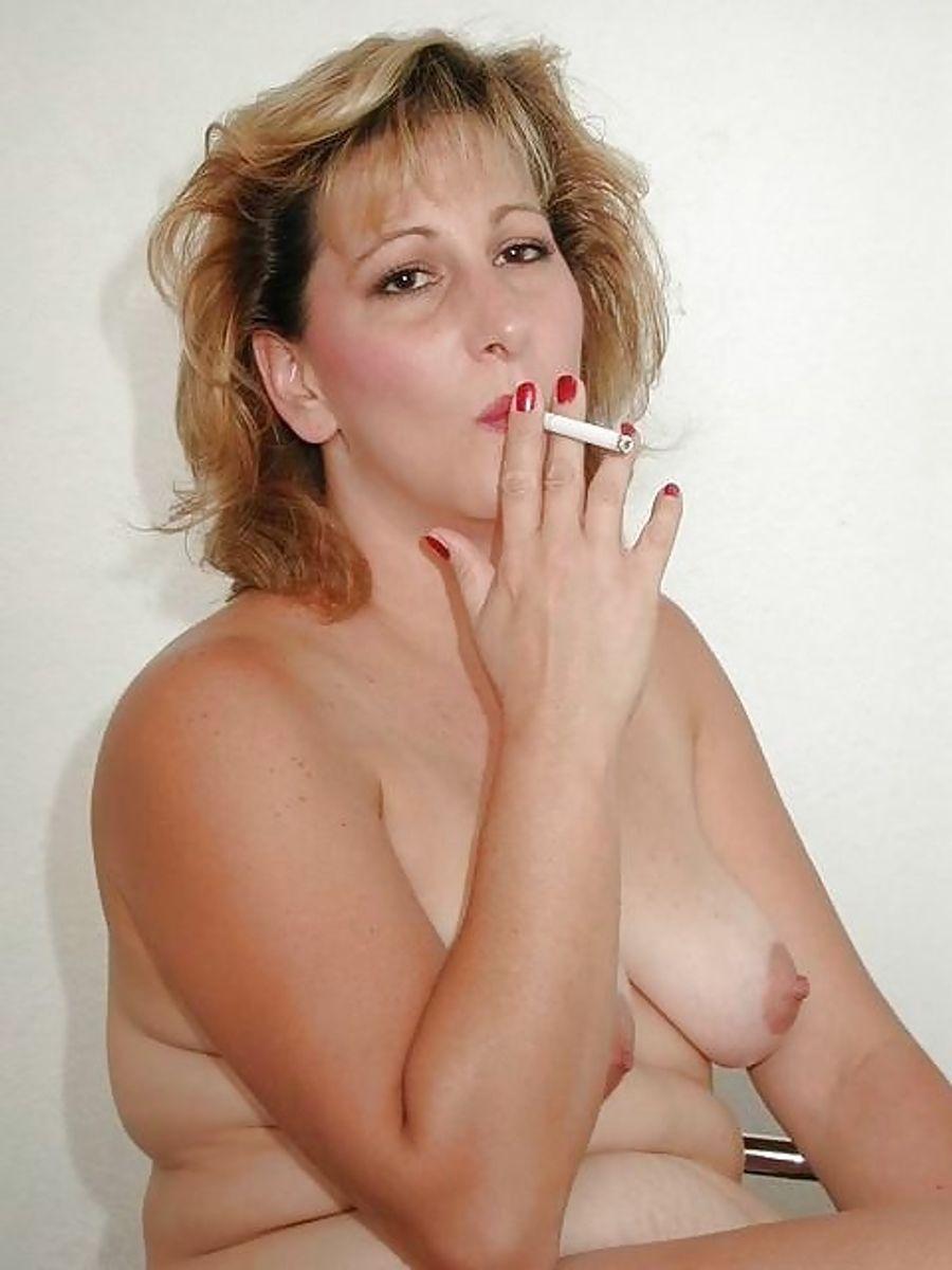 Chubby Nude Girls Smoking Weed