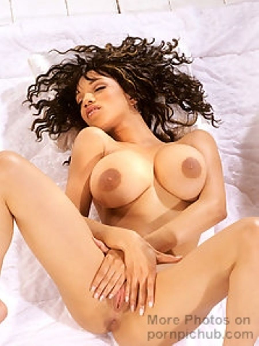 Escort girl in London, sexy gia