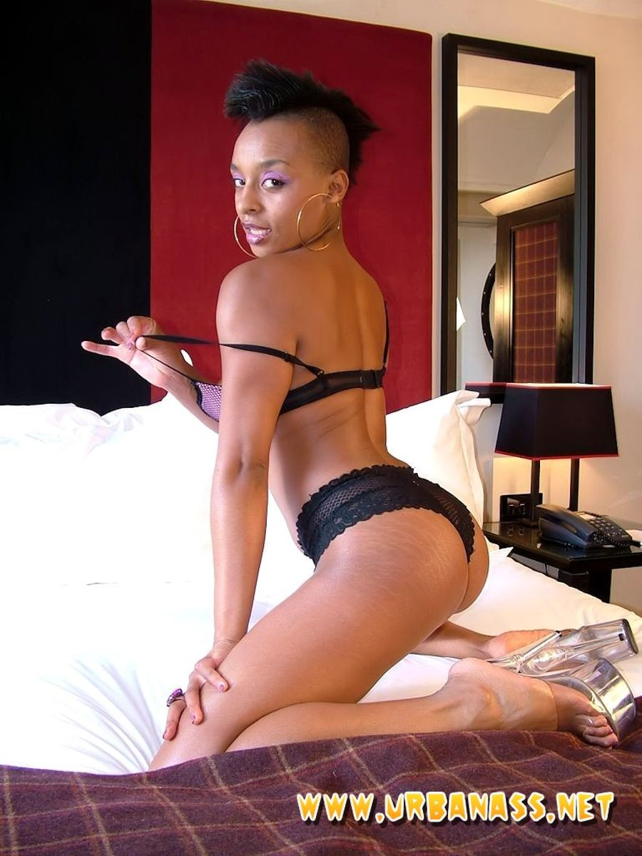 Horny ebony sex videos