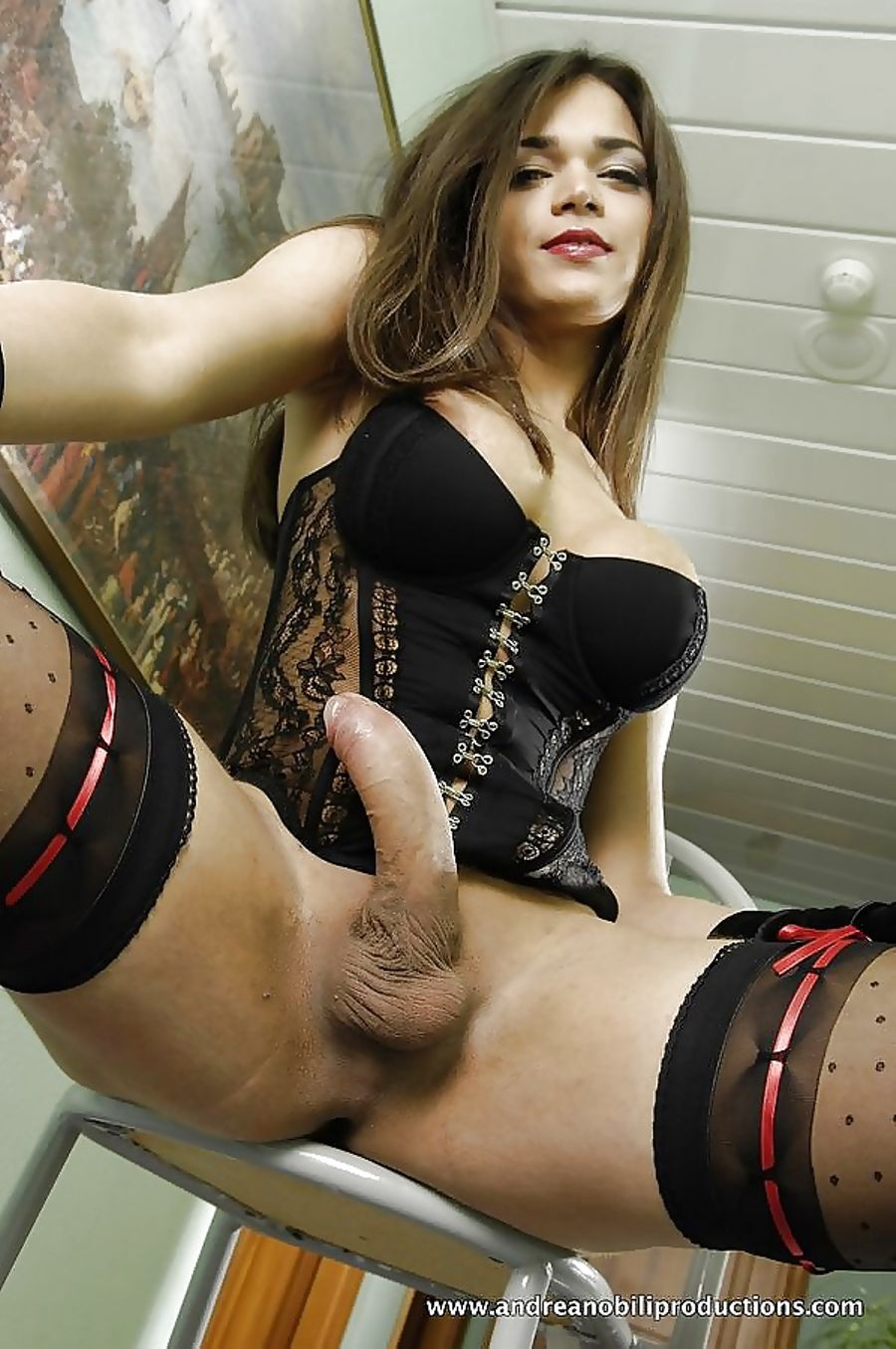 Horny And Hot Ladyboy in Leather