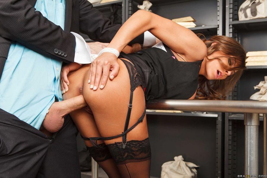 Порно жесткий секс с русской секретаршей