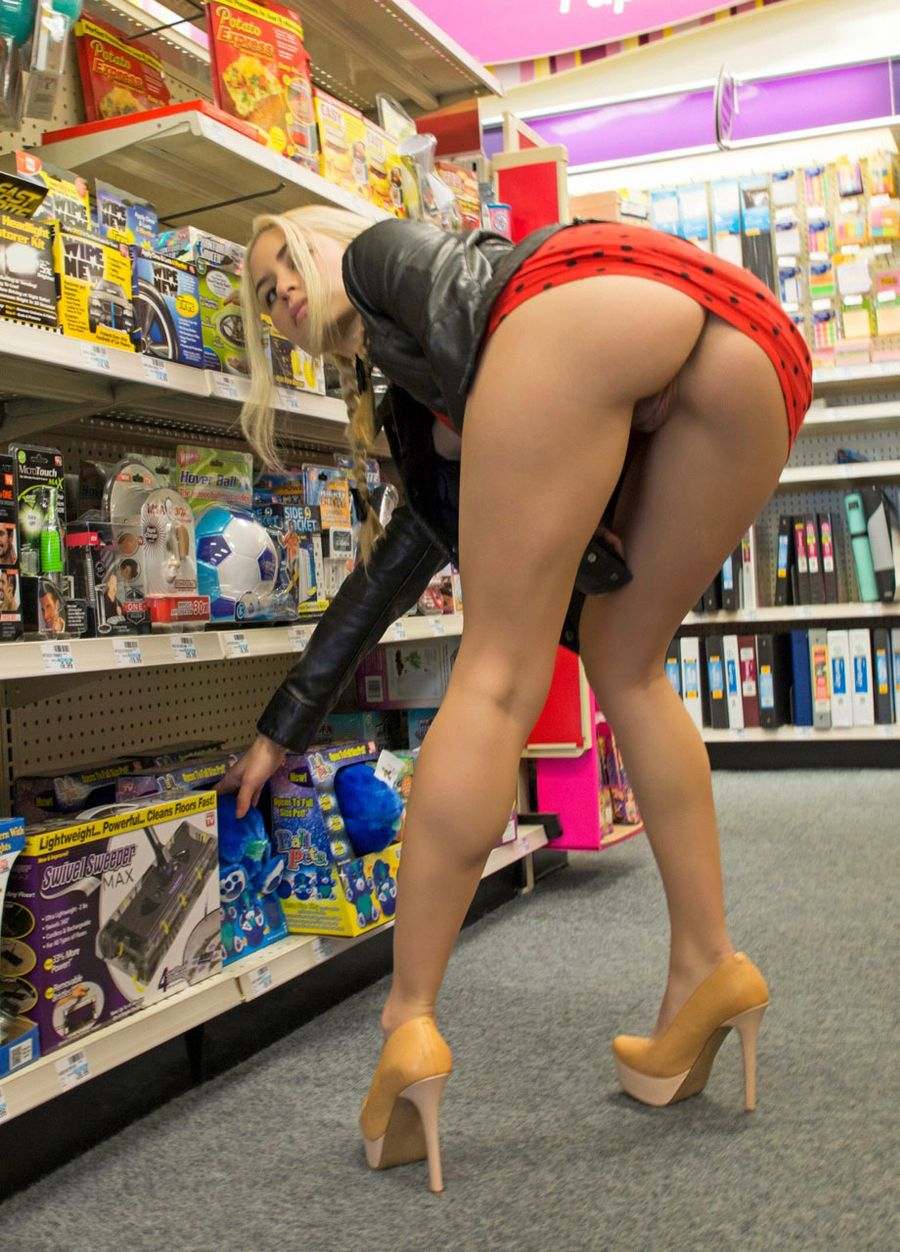 Kinky Wife in Flashing Cunt Photo in Supermarket