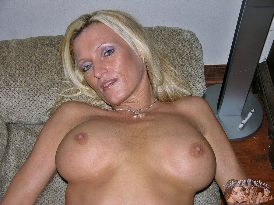 German model nude blonde