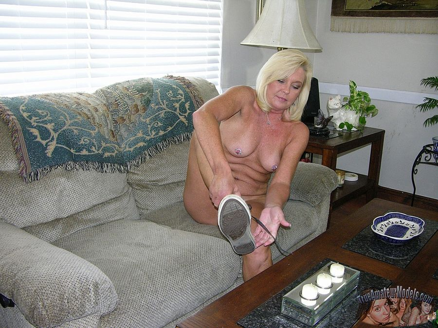 mature Blonde milf amateur