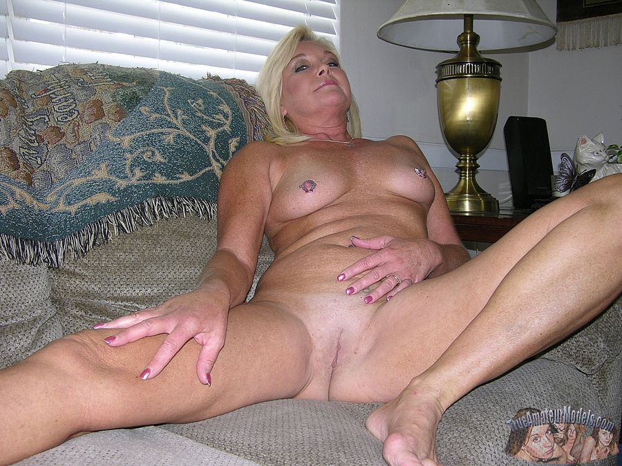 Mature blonde sex amateur