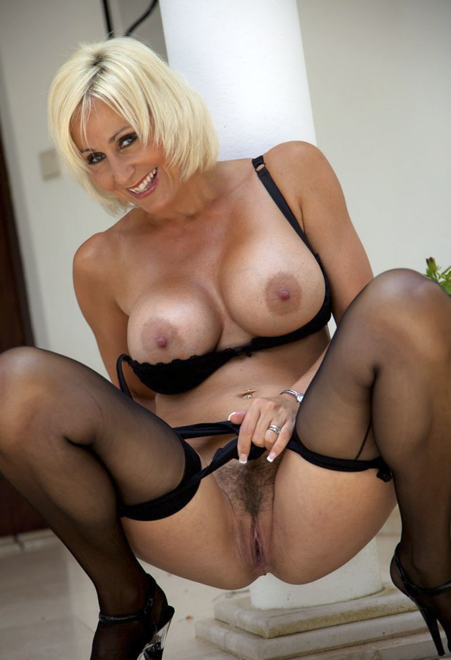 Milf galleries and videos