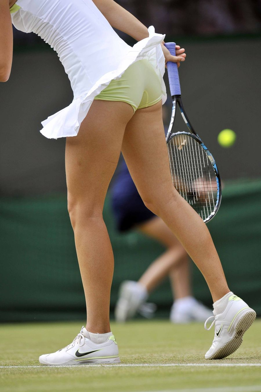 Young tennis players upskirt pic — pic 9