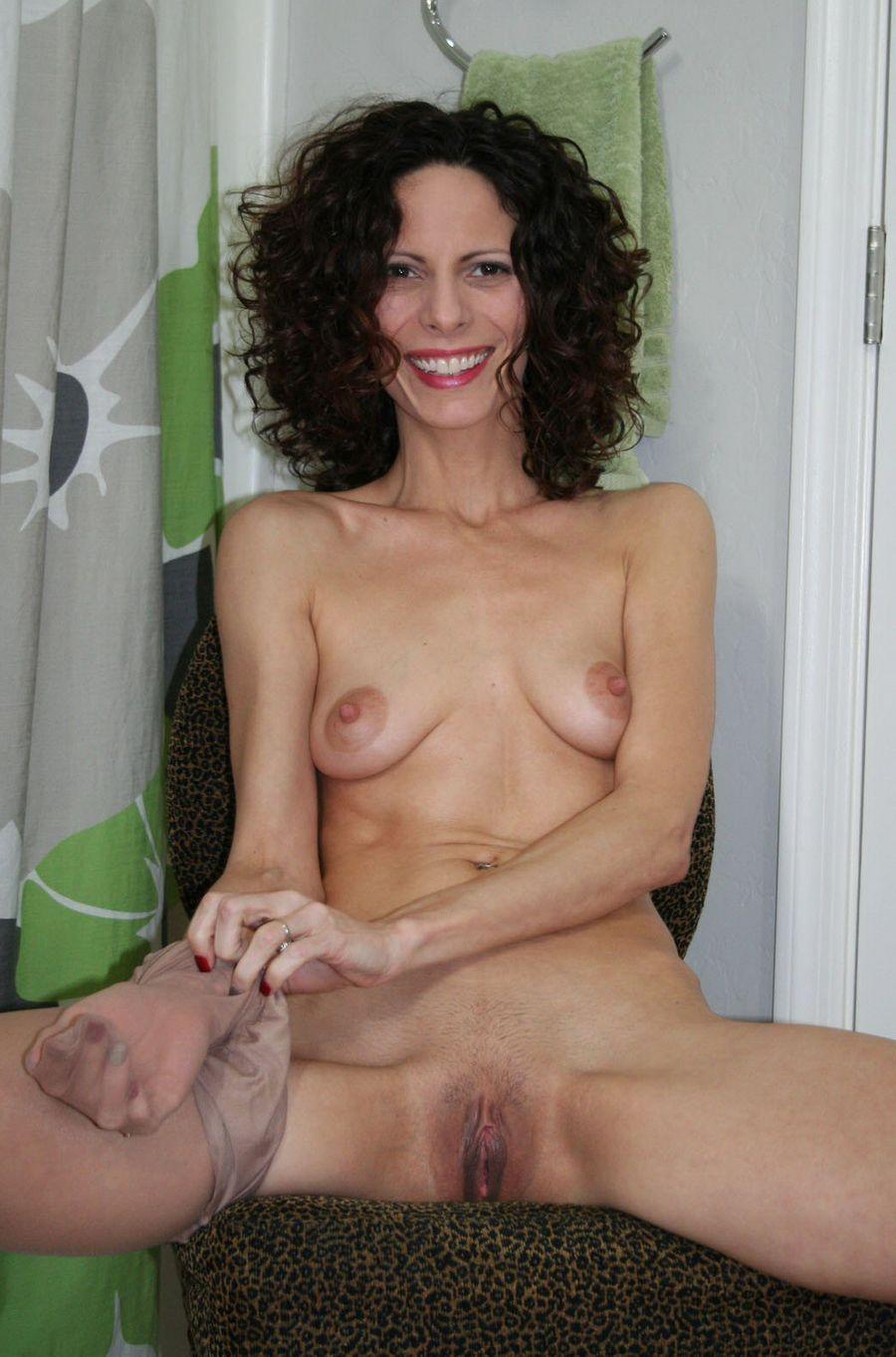 Skinny Moms Naked