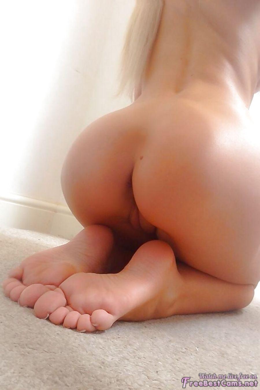 Butts bare feet