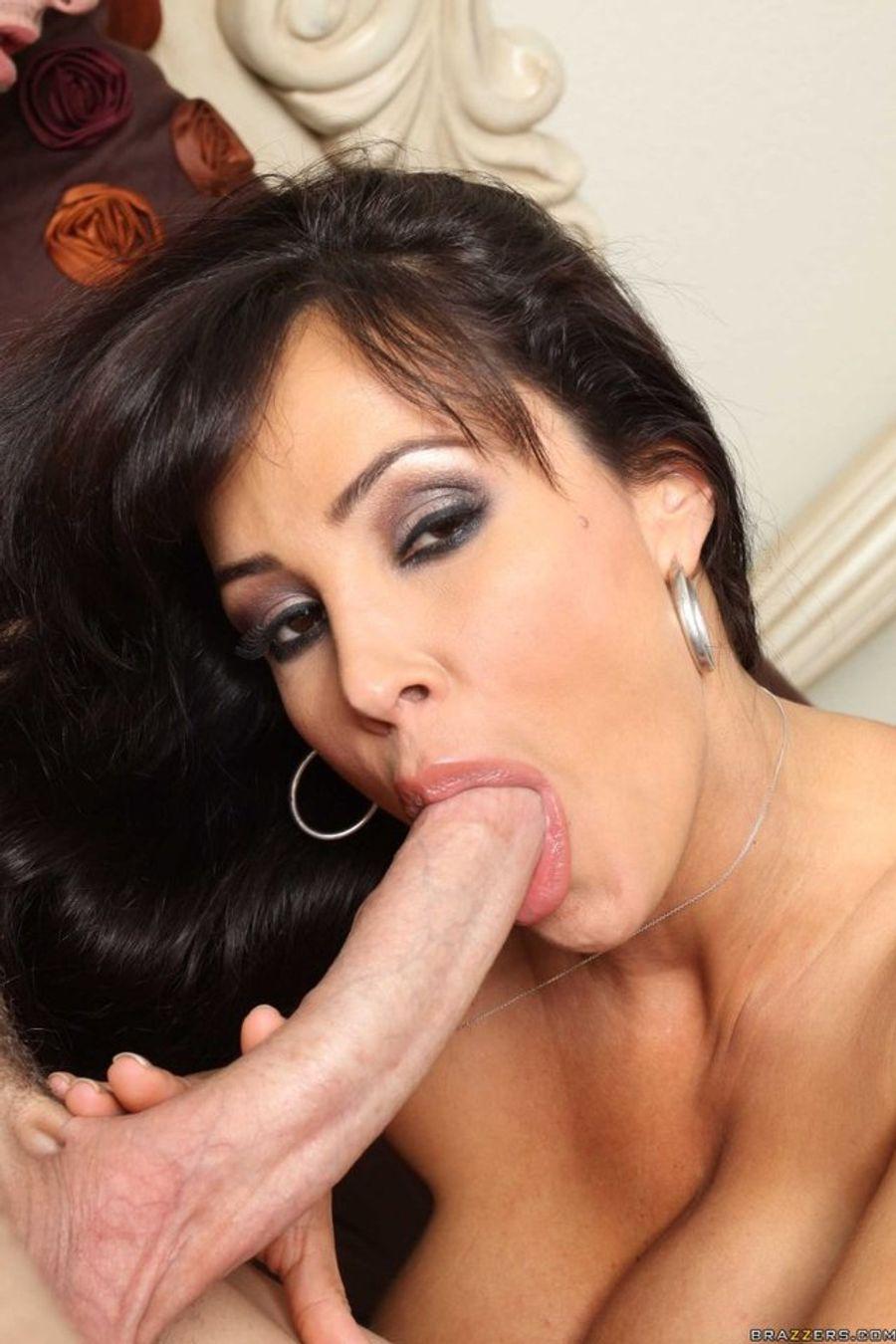 Lisa rinna oral sex, hot naked tinkerbell